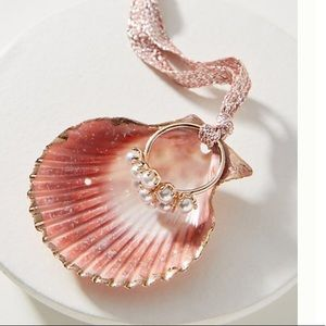 Anthropologie🌷Glass Pearl Ring + Shell Dish🌷